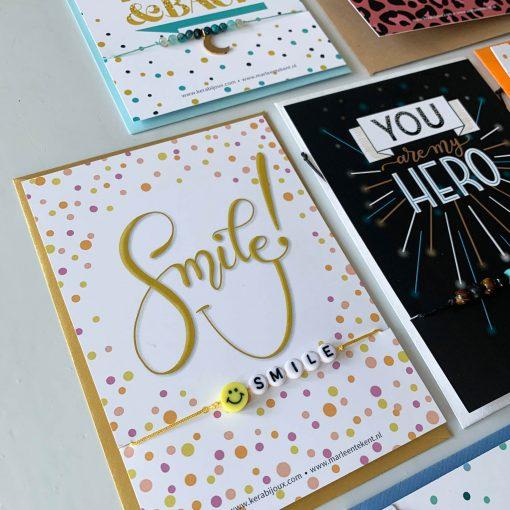kaartje Smile met armbandje